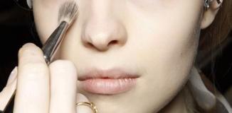 <!--:es-->¿Sabes usar las brochas adecuada para tu maquillaje?<!--:-->