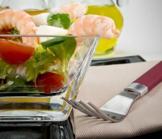 <!--:es-->¿Cómo usar correctamente la servilleta durante las comidas?<!--:-->