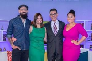 Jorge Ramos, centro, con su esposa Yolanda y sus hijos Gabriel y Alejandra