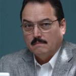 Dr. Edgar León