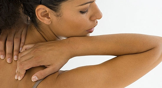 Granitos en la espalda: Consejos para eliminarlos