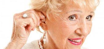 La pérdida auditiva es común y 'progresiva' en los estadounidenses mayores