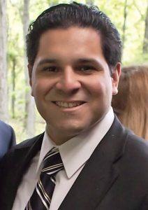 Photo Carlos Ivan, postula a concejal de Hackensack.