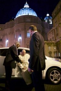 Pope-Francis-electric-car-2- x