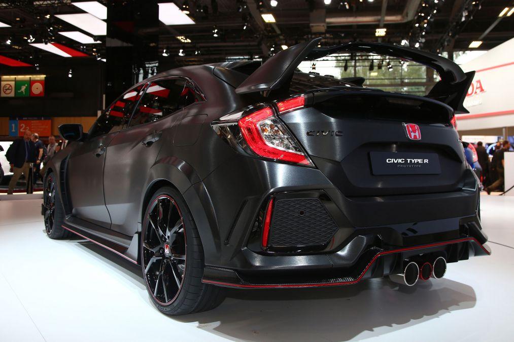 Honda quiere ganar terrero con los jóvenes y presentó el Civic Type R