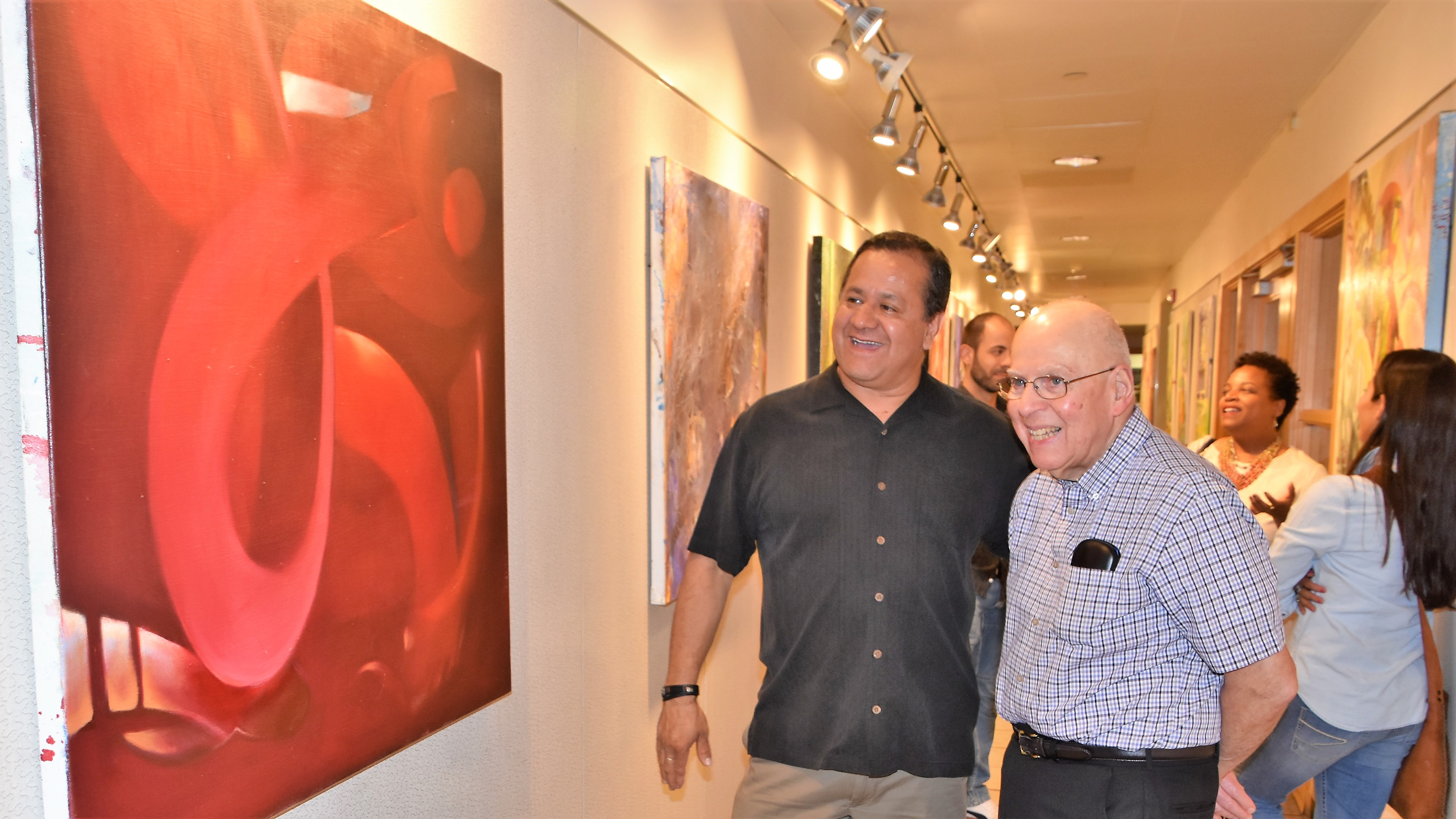 Magnífica exposición de abstractos de Fernando Mariscal