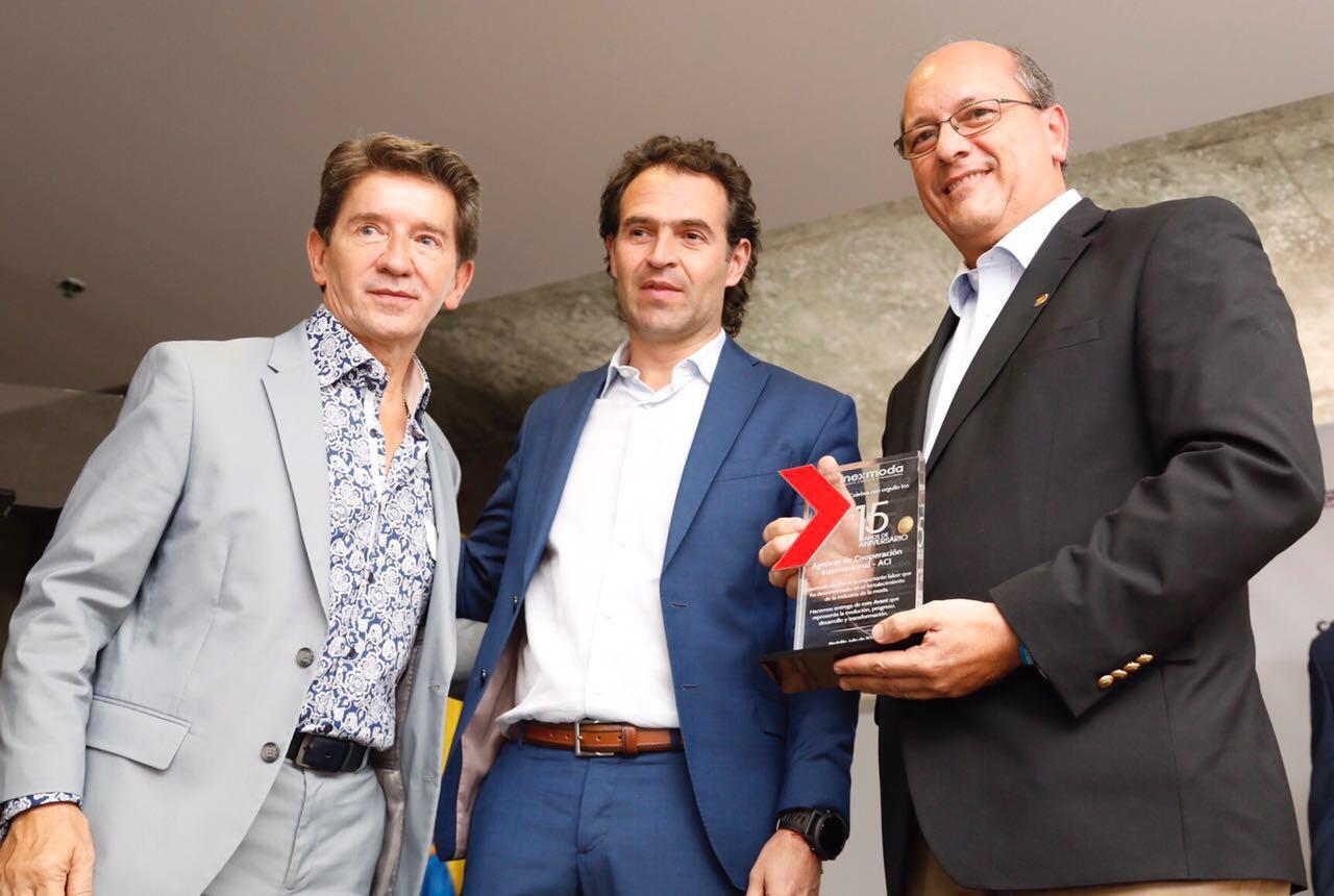 La ACI Medellín recibe reconocimiento de Inexmoda en el acto de apertura de la Feria Colombiamoda 2017