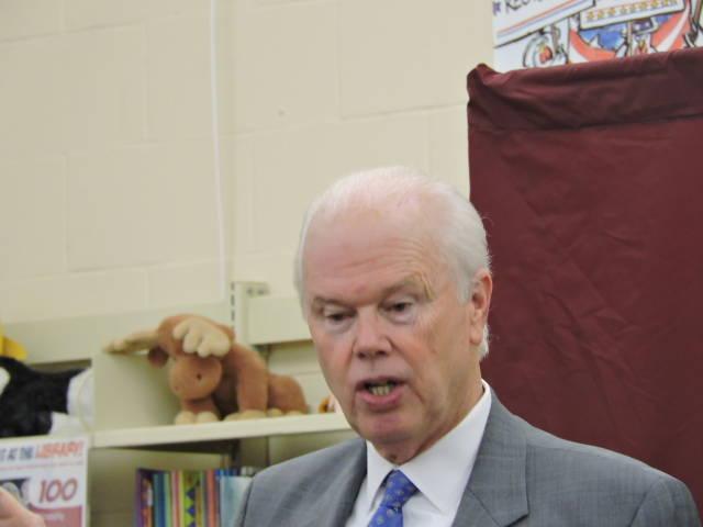 Legislación de Turner y Diegnan que establece programa de entrenamiento ahora es ley