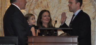 Juramentación de Bell como nuevo Senador del Segundo Distrito Legislativo