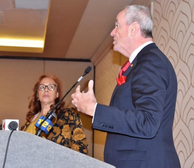 Murphy se solidariza con Puertorriqueños afectados por la crisis en la isla