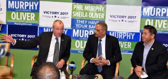 Phil Murphy y Ex Fiscal General Erick Holder a favor de aumentar derechos de votantes en New Jersey