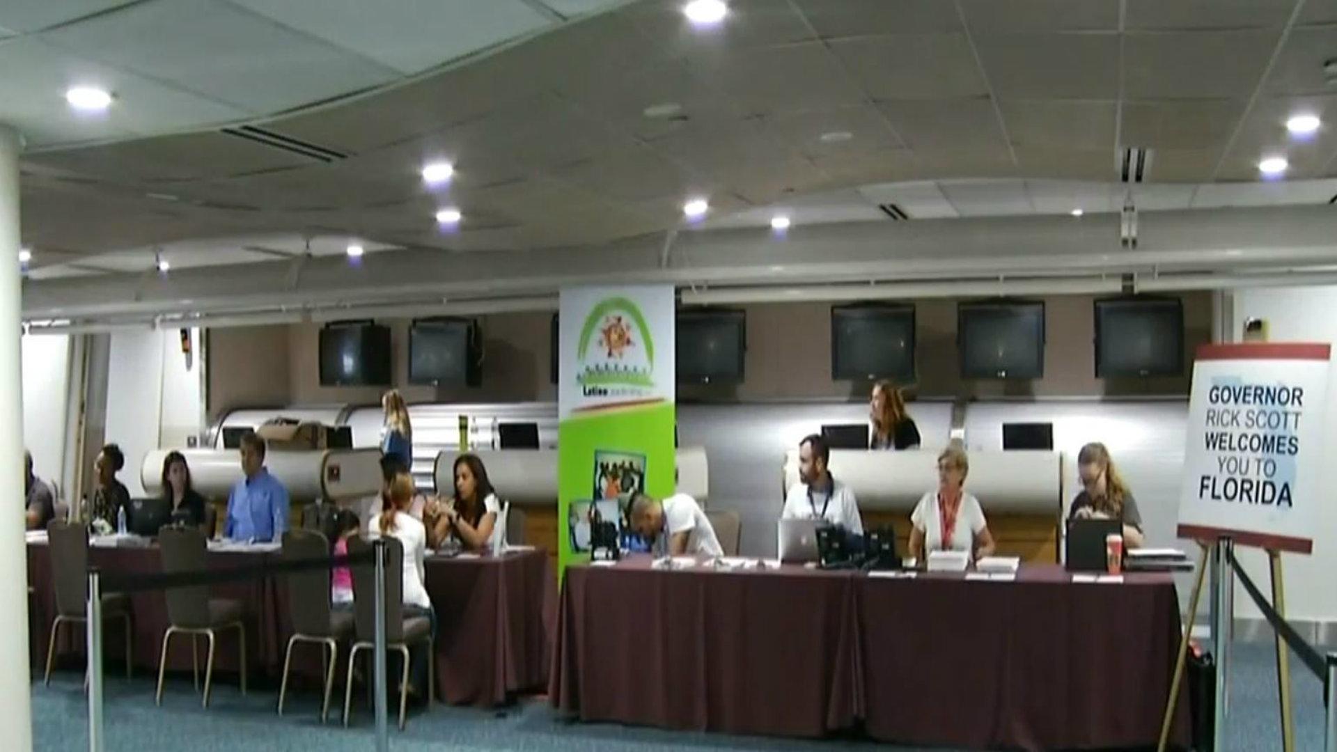 CENTRO DE RECEPCIÓN DE LOS RECIÉN LLEGADOS DESDE PR AL AEROPUERTO DE ...