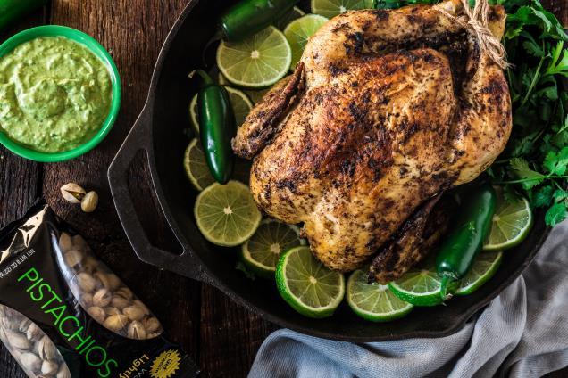 Pollo a la Brasa Peruano con Salsa de Wonderful Pistacho