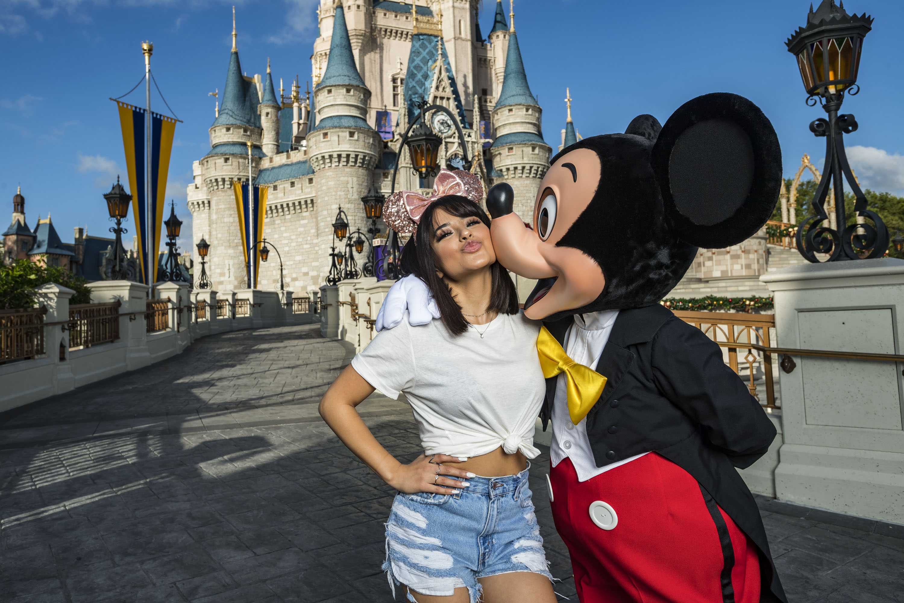 Becky G visitó Walt Disney World Resort por primera vez