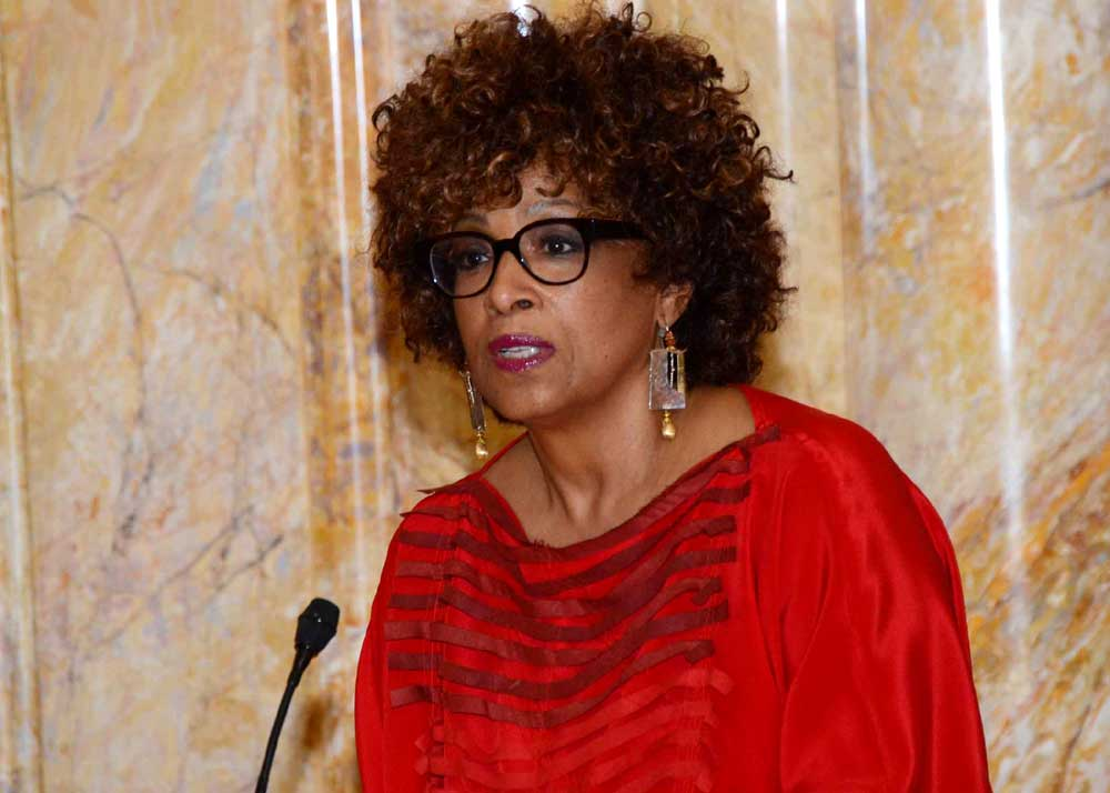 Gill insta a los residentes a 'obtener cobertura' durante el período de inscripción del ACA