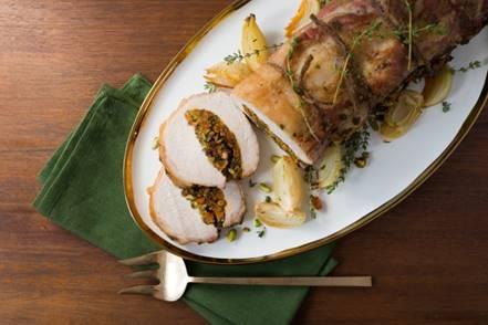 ¿Preparando el Menú para la cena de navidad? Pruebe la receta de Cerdo Asado relleno de Pistachos  y Albaricoque