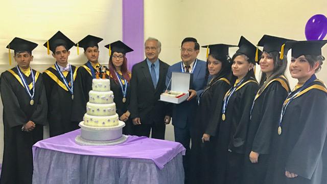"""Promoción 2017 del Colegio Alfredo Salazar Southwell de Miraflores lleva nombre de """"Roberto Bustamante Flores"""""""