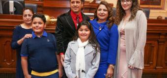 Peruana Elizabeth Guzmán, Delegada por el estado de Virginia, dio réplica en español a Donald Trump
