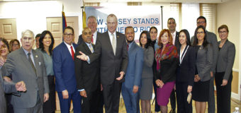 El Gobernador Murphy Firma Una Orden Ejecutiva Creando Una Comisión Para Ayudar a Puerto Rico