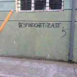 Grafitis-que-expresan-el-apoyo-a-la-realización-del-plebiscito.