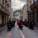 La Policía motorizada observa de cerca la marcha de los movimientos sociales